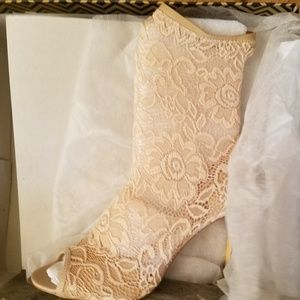Lace Imaginary Bootie - New